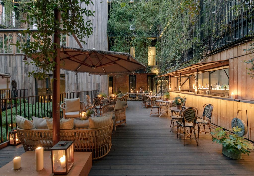 Outdoor dining and seating at The Mandrake restaurant